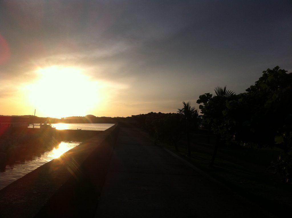 日没が美しい海