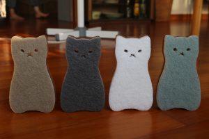 並んだ猫ちゃんスポンジ