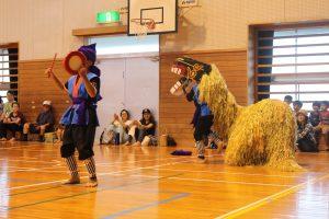 娘の運動会エイサーの獅子舞