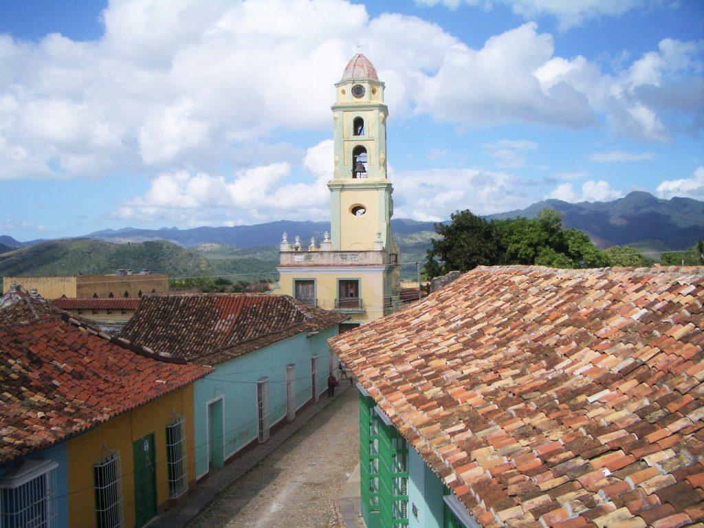 キューバのカラフルな街並み