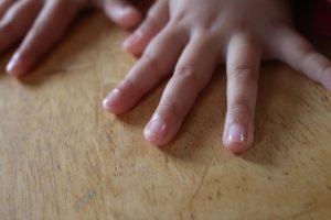 水桃を一度塗った爪