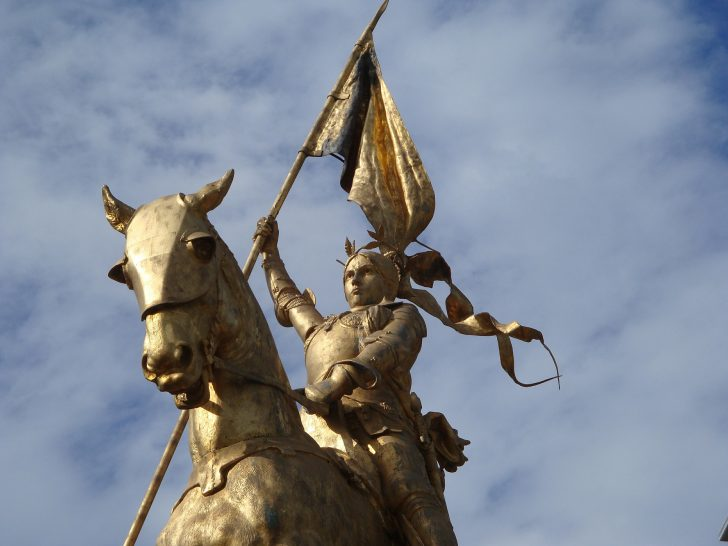 ジャンヌダルク像