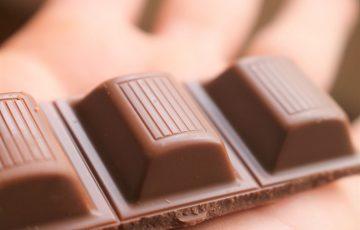 手のひらの上のチョコ
