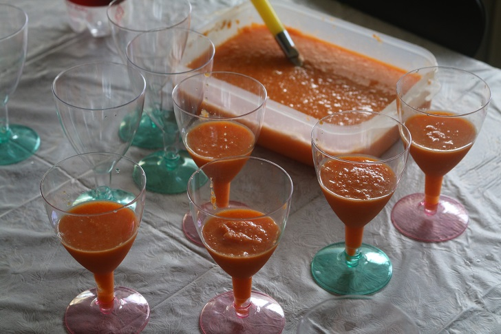グラスに入った野菜ジュースたち