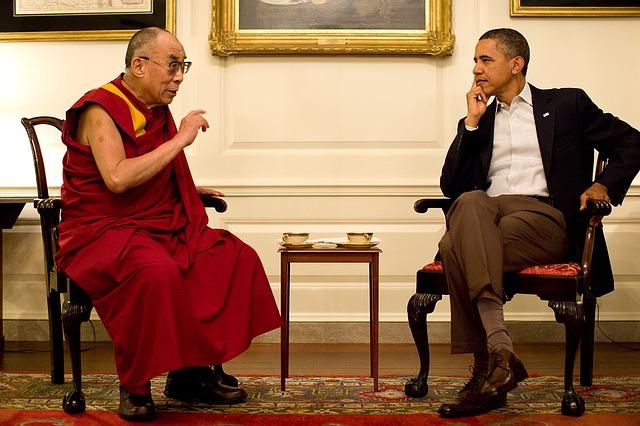 会談するオバマ大統領とダライ・ラマ