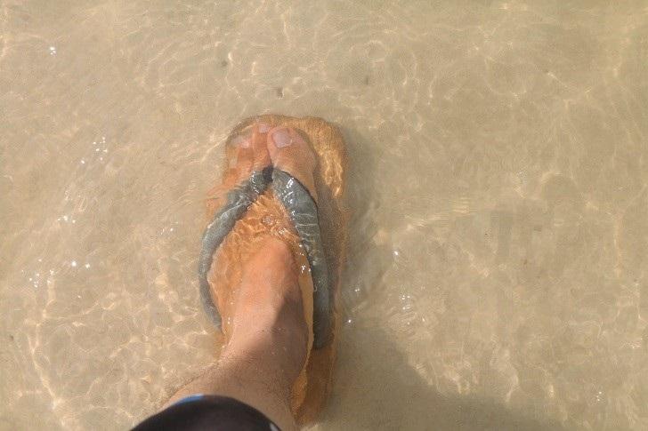 海中の下駄