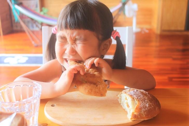 パンと少女