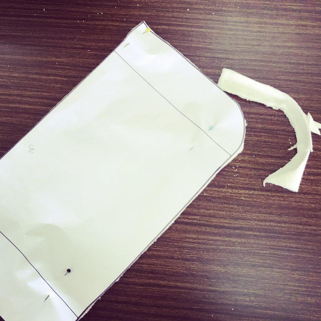 布ナプキン用の布を裁断する様子7