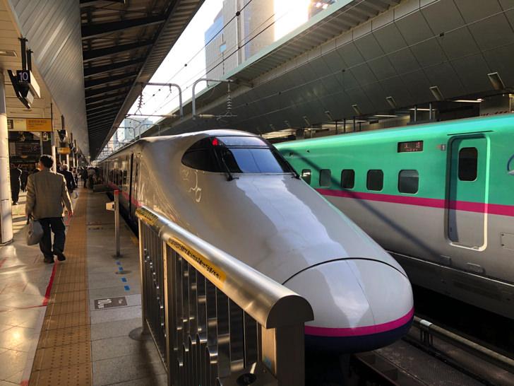 東京駅でとき325号