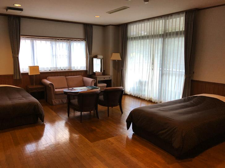 宮川山荘洋室